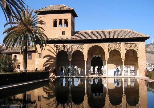 private guided excursions tours visits in granada