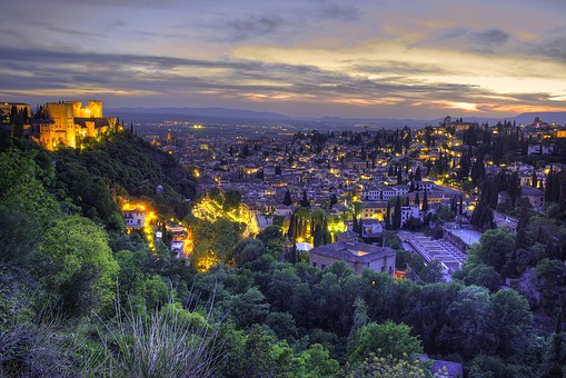 Excursions, trips, visits, attractions, tours and things to do in Granada Andalucia Spain